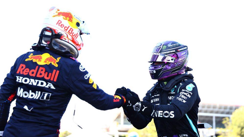 Verstappen parabenizou Hamilton depois de uma sessão de qualificação na Catalunha