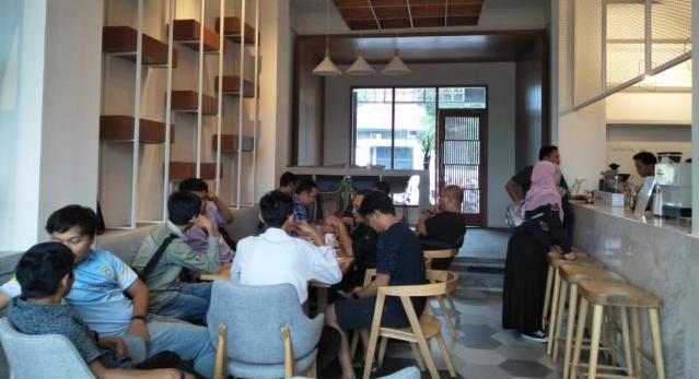 Lowongan Kerja Cook Helper, Waiters dan Pasty Chef Carios Cafe Serang