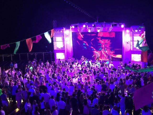 Glow party on Norwegian Escape