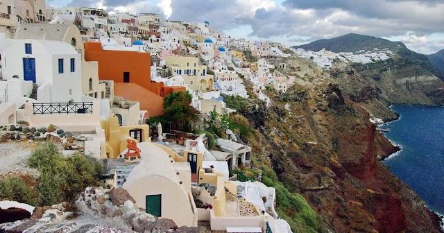 Bezárják éjszakára a bárokat és éttermeket a görög szigeteken