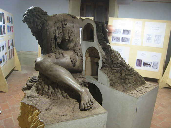 This model reveals the rooms inside of the colossus - Giant 16th-Century 'Colossus' Sculpture In Florence, Italy Has Entire Rooms Hidden Inside