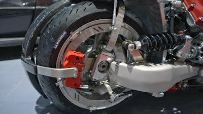 New Lazareth LM 847 rear wheel image HD