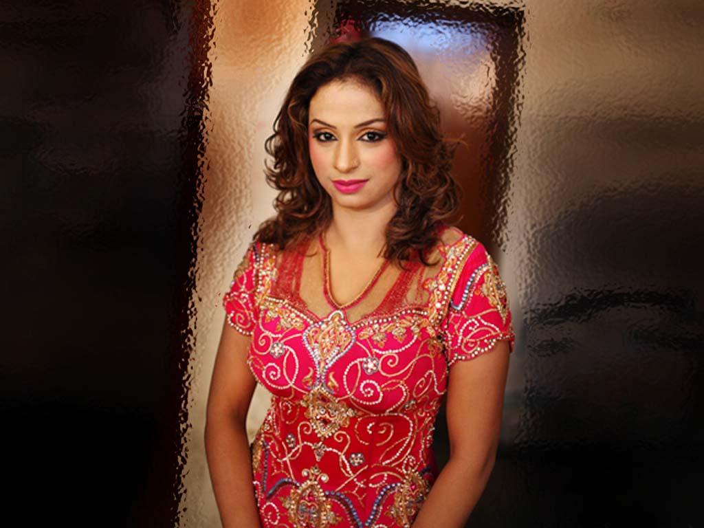 Hot Sexy Porn Alopo: Nida Chaudhry Hot Wallpaper