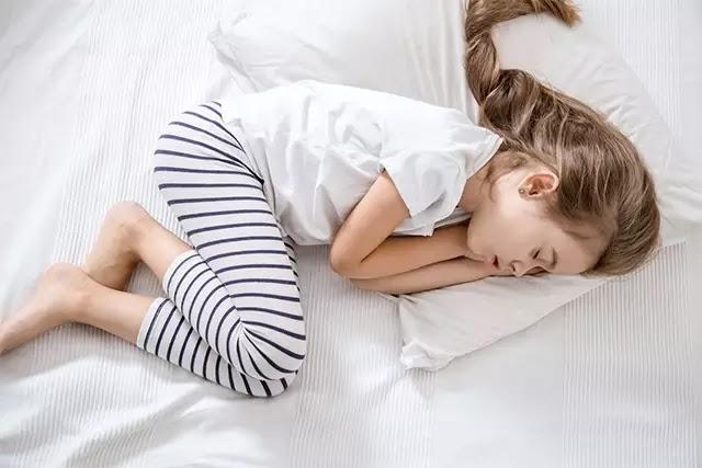 Cenin uyku pozisyonu, gece boyunca rahatlama sağlar. Ayrıca horlama şikayeti olanlar için de cenin uyku pozisyonu idealdir.