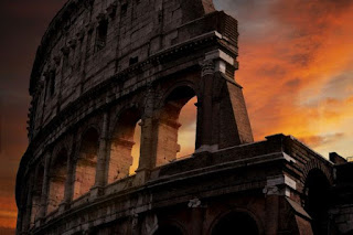 Colosseum sunset - Photo by Dario Veronesi on Unsplash