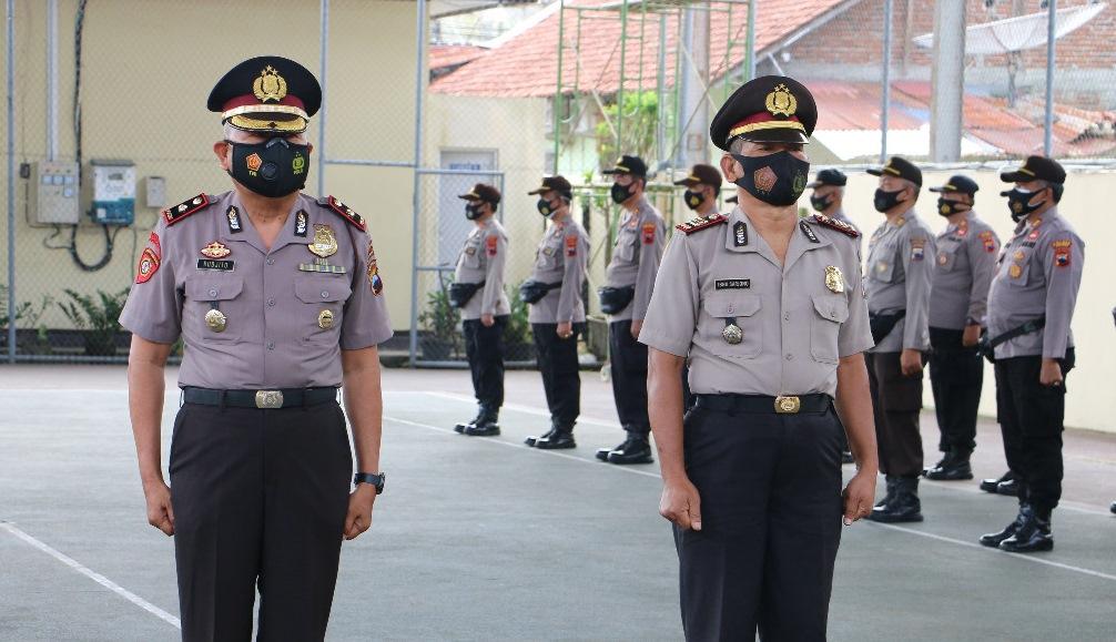 Dua Personel Polres Kebumen Naik Pangkat Penghargaan dari Kapolri