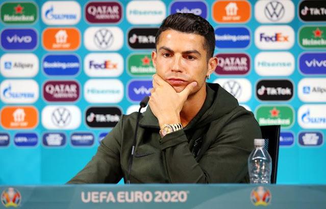 UEFA Minta Tim Euro 2020 Agar Hentikan Aksi Singkirkan Botol Sponsor.lelemuku.com.jpg