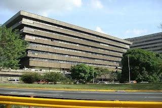 Primer centro comercial en Venezuela con una feria de comida