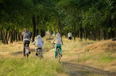 Cara Mudah Merancang Liburan Seru Bersama Keluarga Dengan Traveloka Experience