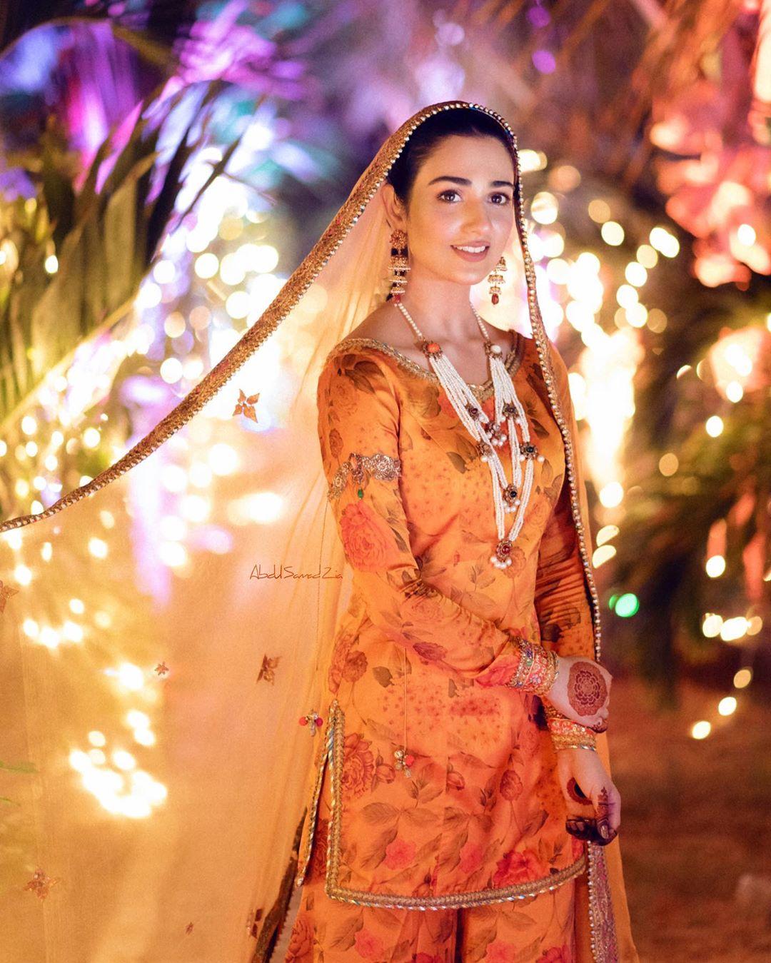 Sarah Khan and Falak Shabbir Mehndi HD Clicks