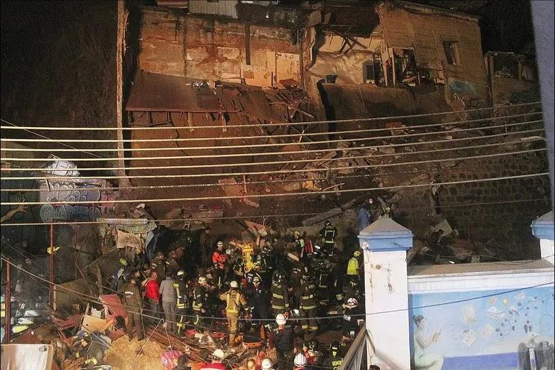 Familia de la casa que se cayó en Valparaíso se iba a cambiar el viernes