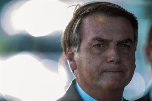 Bolsonaro llama a irrespetar el confinamiento y Twitter censura