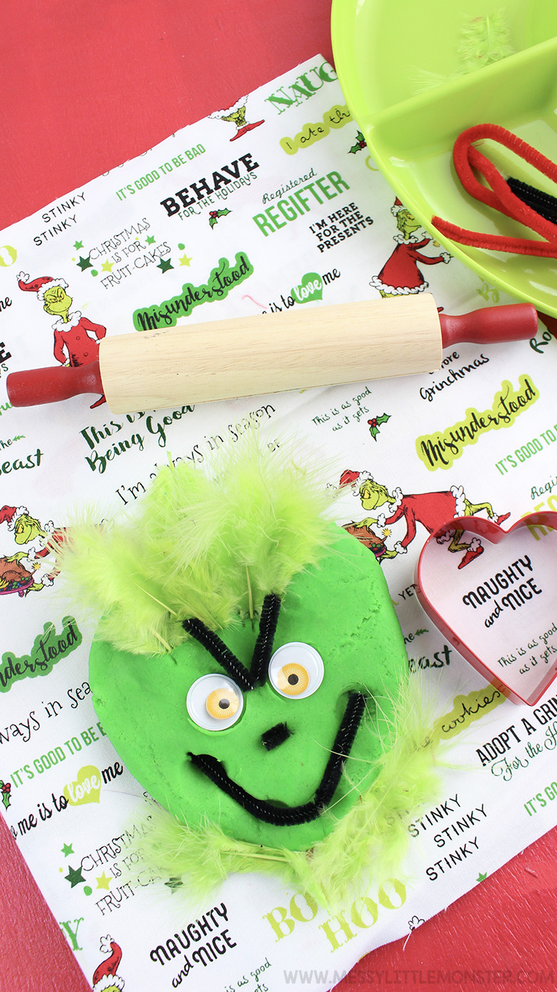 Christmas ideas for kids - Christmas Grinch playdough