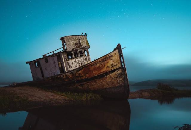 navios naufragados encalhados adernados ambiente de leitura carlos romero