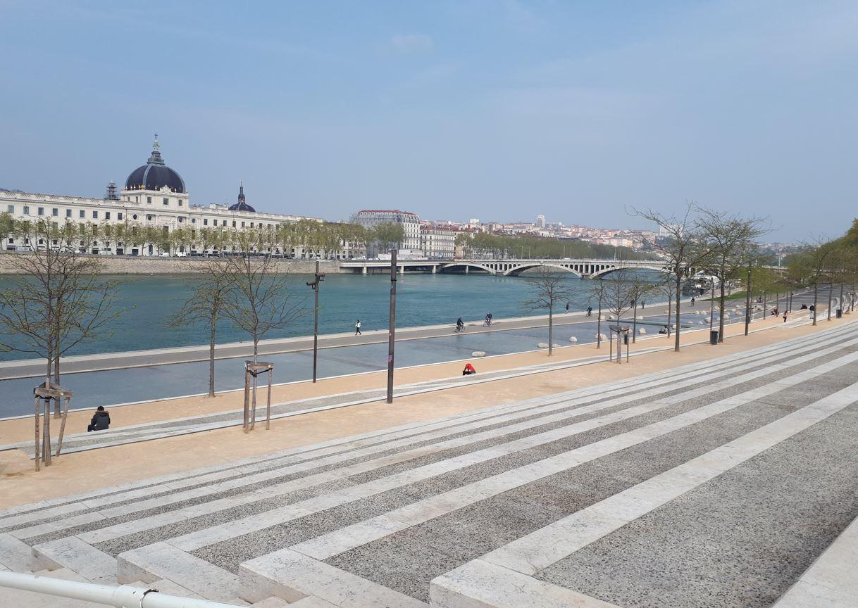 lyon quai du Rhône