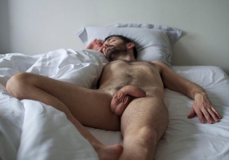 ты, мужик жену на кровати это время