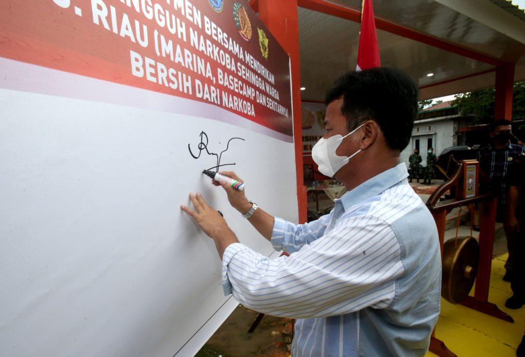Rudi Menghadiri Persmian kampung Tangguh Bersih Narkoba di Perumahan Graha Mas Tanjung Riau