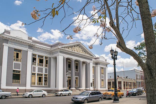 Le collège San Lorenzo à Cienfuegos