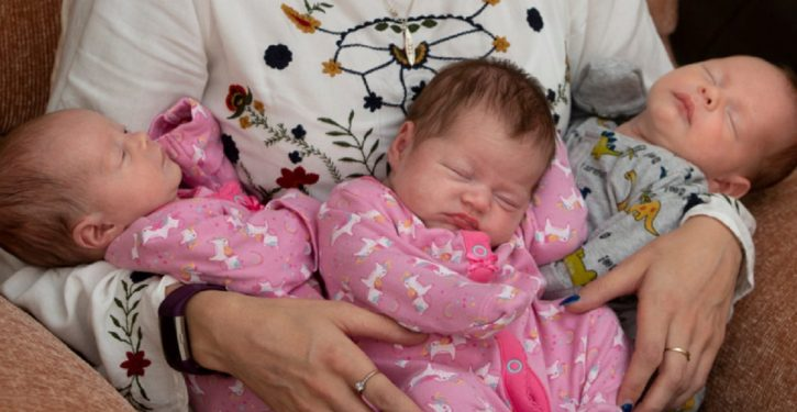 This Woman Gives Birth To Triplets While Taking The Contraceptive Pill
