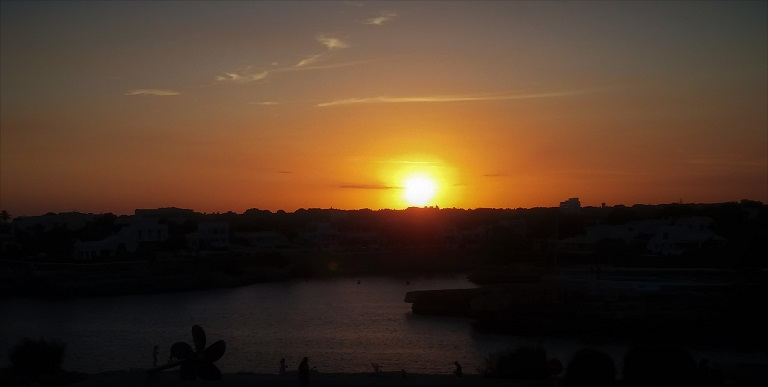 menorca-puesta-de-sol-que-ver-imprescindibles