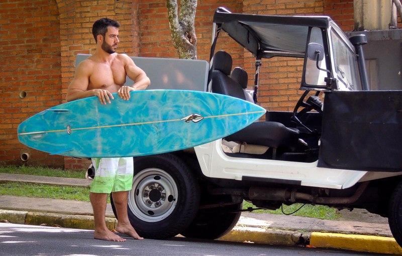 Sábio-Lopez-surfista-brasileiro-sarado-maduro-Boys-Na-Web (1)