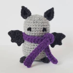 https://yarnbroom.wordpress.com/2017/08/31/little-bat-pattern/