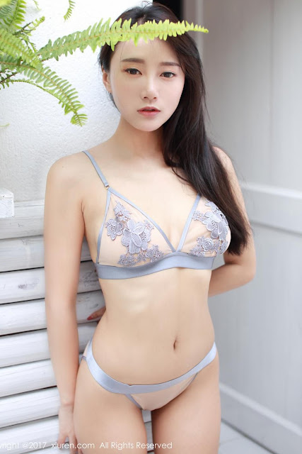 Hot and sexy photos of beautiful busty asian hottie chick Chinese booty model He Jia Ying photo highlights on Pinays Finest sexy nude photo collection site.