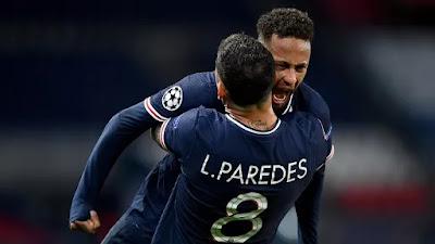 لاعبي باريس