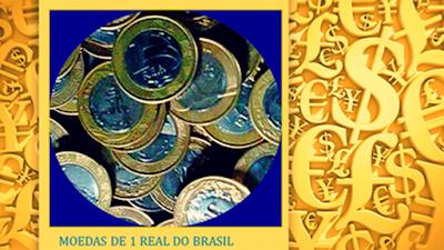 A foto mostra o cofre cheio de dinheiro que significa poder e ostentação, mas sem paz para muitos ricos e poderosos.