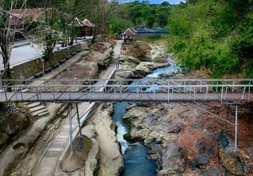 Lava Bantal : Lokasi, Rute, Fasilitas dan Harga Tiket Masuk Terbaru 2021