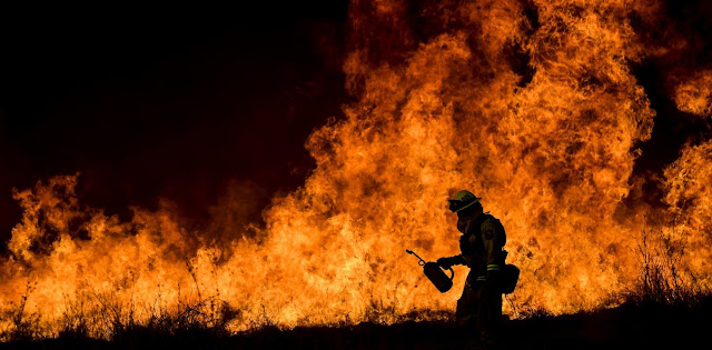 Nice sunny days can grow into heat waves... and wildfires: summer weather is stalling