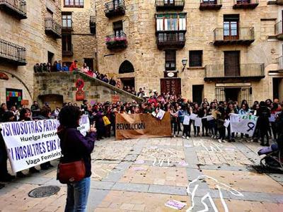 8M , Valderrobres , si natros o natres mos aturem, huelga feminista , la vaga feminista del ajuntamén se passe lo matí al casino  Catalá: si nosaltres ens aturem  , vaga feminista , Vall-de-Roures
