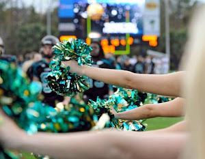 Accusate di essere prostitute, intera squadra di cheerleaders sospesa