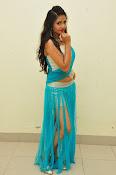 Shreya Vyas latest sizzling pics-thumbnail-9