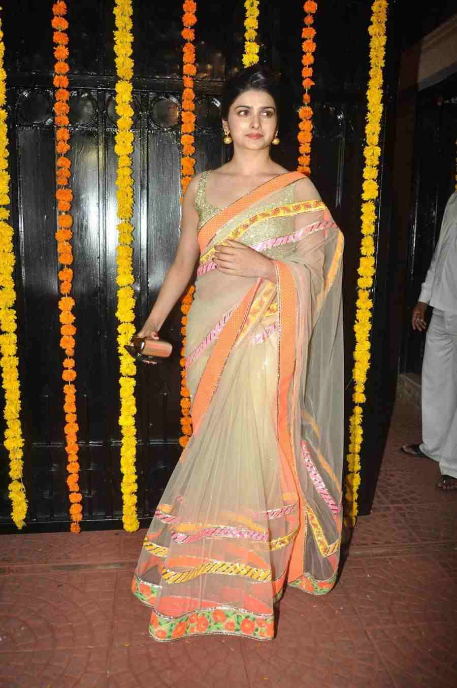 Beautiful Hindi Girl Prachi Desai Navel Show In Transparent Yellow Saree