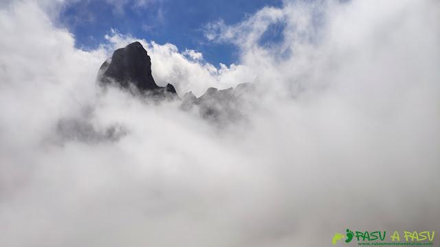 Picu Urriellu desde la Corona del Rasu, Cabrales