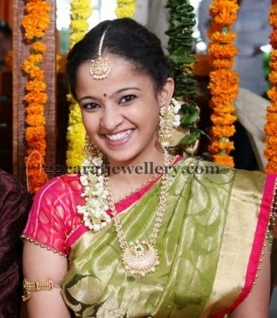 Ramgopal Varma Daughter In Pearls Jewelry Jewellery Designs