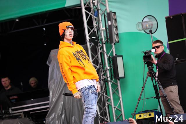 Фотографии с выступления Lil Xan на фестивале Ласточка