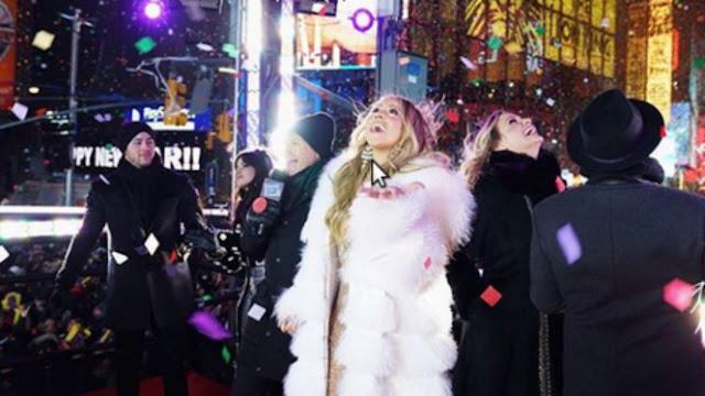 Diva Pop Mariah Carey Hipnotis Ribuan Penggemar di Borobudur