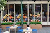 Kembangkan Wisata Digital, Awal Desember Facebook Cafe Buka Di Bandung