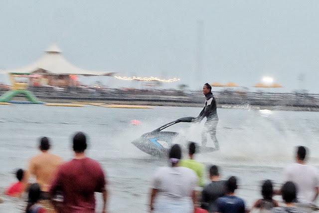 jetski freestyle di Pantai Karnival Ancol