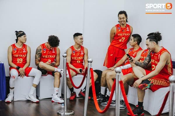 Đồng phục đội tuyển bóng rổ Việt Nam thi đấu SEA Games 30 5