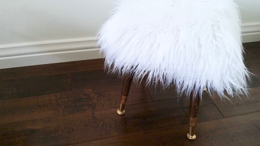 The Pampered Baby: Faux Fur Stool DIY