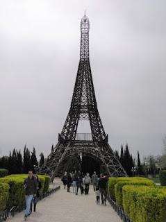 Torrejón de Ardoz, Parque Europa. La Torre Eiffel de París.