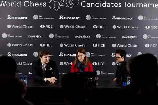 L'image clé de la ronde 12 : la conférence de presse après la partie décisive entre Sergey Karjakin et Fabiano Caruana qui rebat les cartes du tournoi - Photo © World Chess