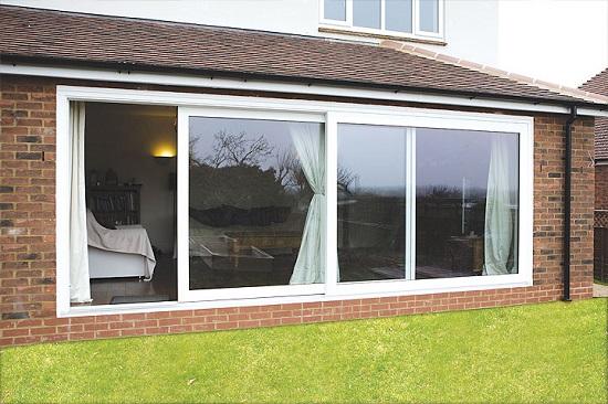Partisi jendela sliding upvc conch di rumah