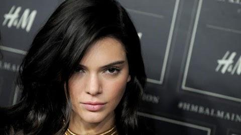 Ezt kár lenne kihagynia: pucér fotót posztolt magáról Kendall Jenner