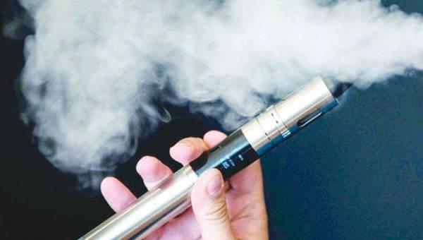 34 حالة وفاة في أمريكا بسبب التدخين الالكتروني