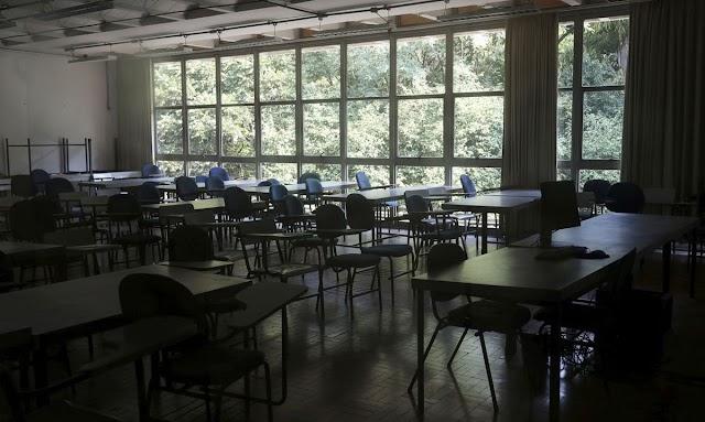 Efeito do fechamento de escolas durante a pandemia pode durar 15 anos