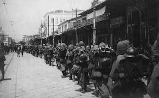 Όταν οι συμμαχικές δυνάμεις αποβίβασαν 3.000 στρατιώτες στο Φάληρο για να πάρουν την Αθήνα